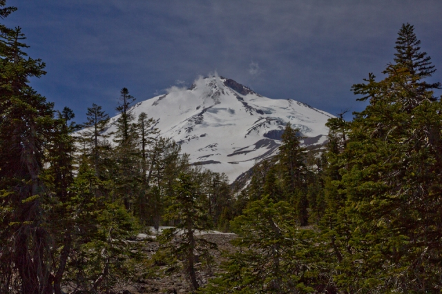 mount-shasta-north-side-late-may